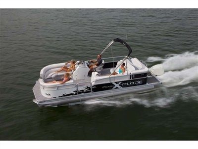 The 23' X-PLODE is a water sports enthusiasts dream; with enough amenities, options and finer qualities to satisfy even the discerning boater. Turn the key, open the throttle, and let the uncontrollable smile take over.
