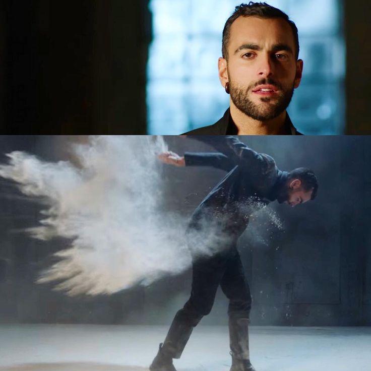 """""""Non perdetevi su #Vevo il video ufficiale del nuovo singolo in spagnolo di #MarcoMengoni: #Invencible!"""""""