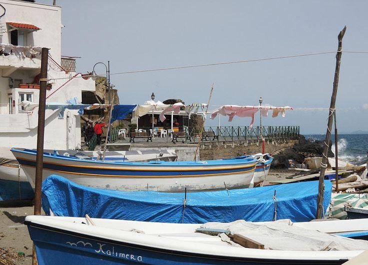 """Una piacevole sosta alla #spiaggia dei #Pescatori, """"Da Bruno"""". #Ischia Sito: http://www.hoteleuropaischia.it/ whatsapp: +39 3451071174"""