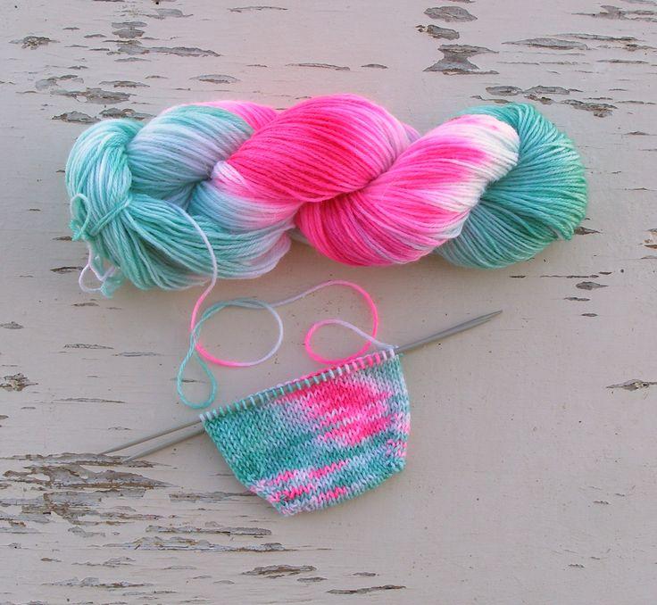 short stripes yarn, echocraftings, knee socks wool yarn, crochet scarf yarn, DK 8 ply yarn, short color change, Nylon sock yarn, Self striping, hand dyed yarn, hand knitting yarn, mint green, sock yarn, bright colors https://www.etsy.com/listing/503894846/mint-green-sock-yarn-self-striping-hand