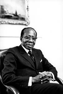 Léopold Sédar Senghor : écrivain sénégalais de la négritude http://fr.wikipedia.org/wiki/Negritude