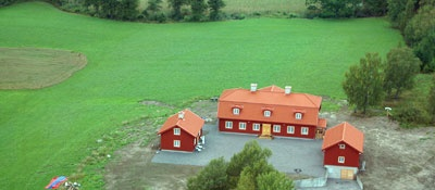 New build mansion with the corps de logi in Swedish Carolinian style. Built by former prime minister Göran Persson.