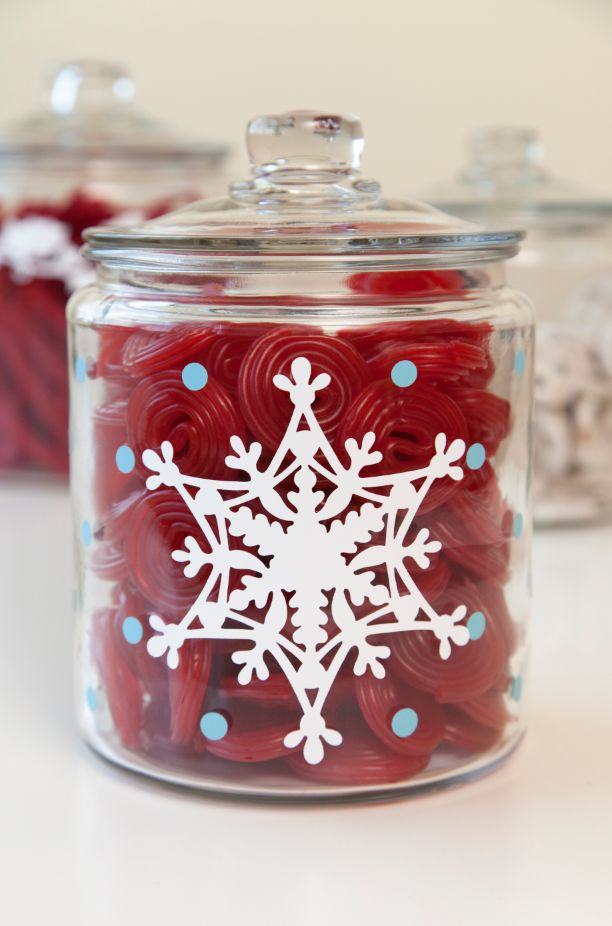 Embellish a plain glass jar with Cricut Vinyl and the Anna Griffin Snowflake Solo Cricut Cuttlebug Cut & Emboss Die