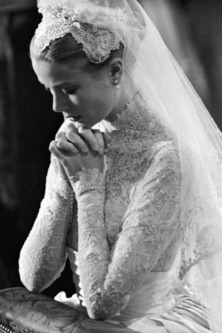 Grace Kelly on her wedding day. #gracekelly #lace #wedding #bride