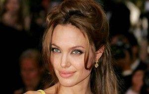 Rahasia Perawatan Kulit Angelina Jolie