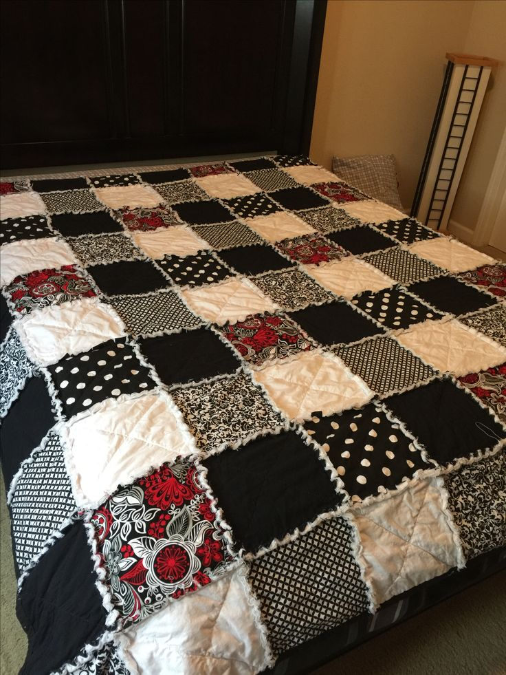 Full Size Black And White Rag Quilt 10 Inch Squares My