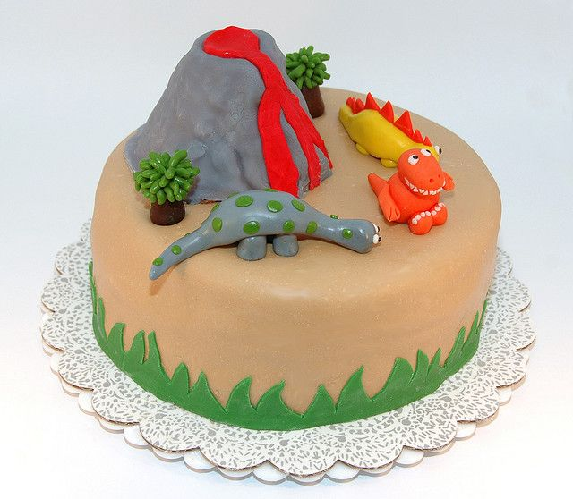 Dinosaur Cake | Flickr - Photo Sharing!
