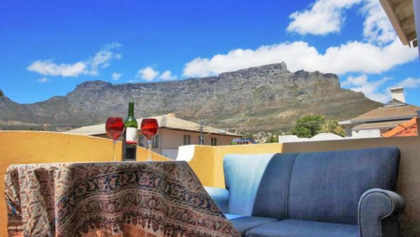 Situated in the heart of Cape Town at the foot of Table Mountain, Amber Tree Lodge Backpackers offers you a home from home in deluxe or dorm style accommodation. http://www.ambertreelodge.co.za/