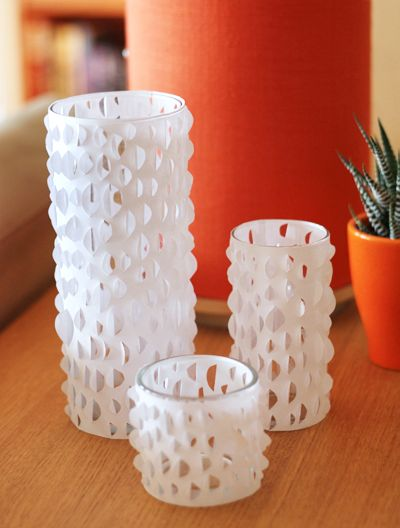 Paper Candle Holder http://www.lovediy.it/2014/04/24/paper-candle-holder/ L'abilità manuale, la tecnica e la #fantasia permettono di realizzare splendide #creazioni, ma anche ricorrendo ad un progetto semplice e ai materiali più comuni, si può dare forma a oggetti e #decorazioni particolari. La #carta è una risorsa da non sottovalutare...