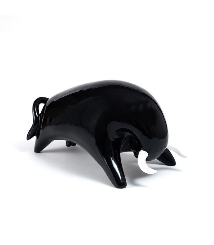 Statue Taureau Noir - Animal en resine - 53 x 27 x 28 cm Description du modèle :Taureau, forme épurée, couleur noir avec cornes blanches, finition laquée vernieCaractéristiques :Référence du modèle : ART061: Anim'ArtDimensions : 53 x 27 x 28 cm (Longueur x hauteur x largeur)Poids : 4,00 Kg