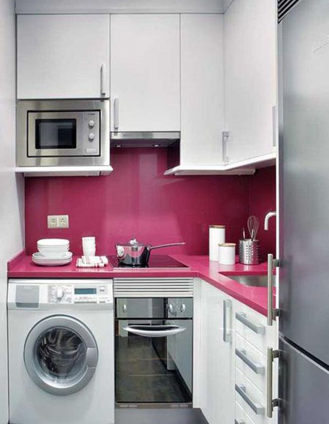 """Маленькая угловая кухня один из лучших вариантов для кухонь с небольшой площадью. Об этом мы уже говорили в статье """"Планировка маленькой кухни"""", Угловая кухня даёт возможность максимально"""