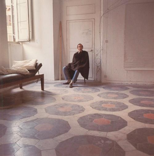 Cy Twombly, Roma, 1966. Ph. Horst P. Horst