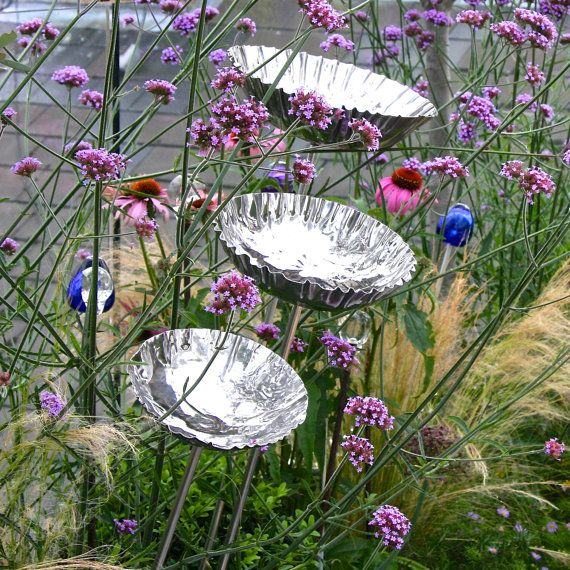 This handmade shiny steel chalice is a beautiful addition to any garden, and may be used as a birdbath, birdfeeder or contemporary garden sculpture.  Loved by both men and women it makes for the perfect present for a hard-to-buy-for garden enthusiast.  Use as birdbaths that will fill naturally with rainwater or just a sculptural pieces for your garden.  This beautiful birdbath would also make a superb birthday, anniversary or wedding gift or a modern present for a young couples new home or…