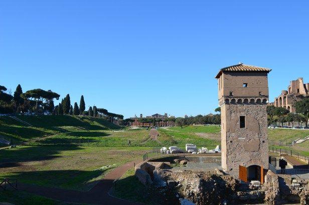 Ist Rom Europas schönste Stadt?  Rom als Tagestrip? Die 3000-jährige Geschichte Roms, die hohe Anzahl an Sehenswürdigkeiten und auch die vielen kulinarischen Möglichkeiten, versuchen viele Ro…
