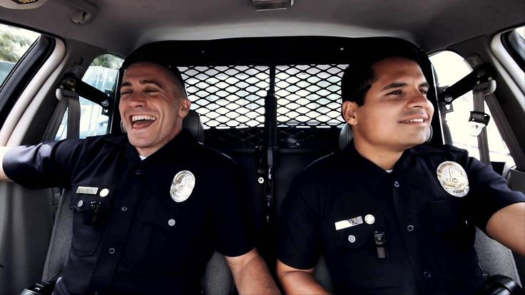 Jake Gyllenhaal And Michael Pena cop out in the lacklustre End of Watch.
