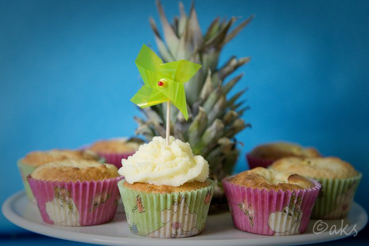 Pina Colada muffins. Kokos och ananans.  Coconut and pineapple muffins.