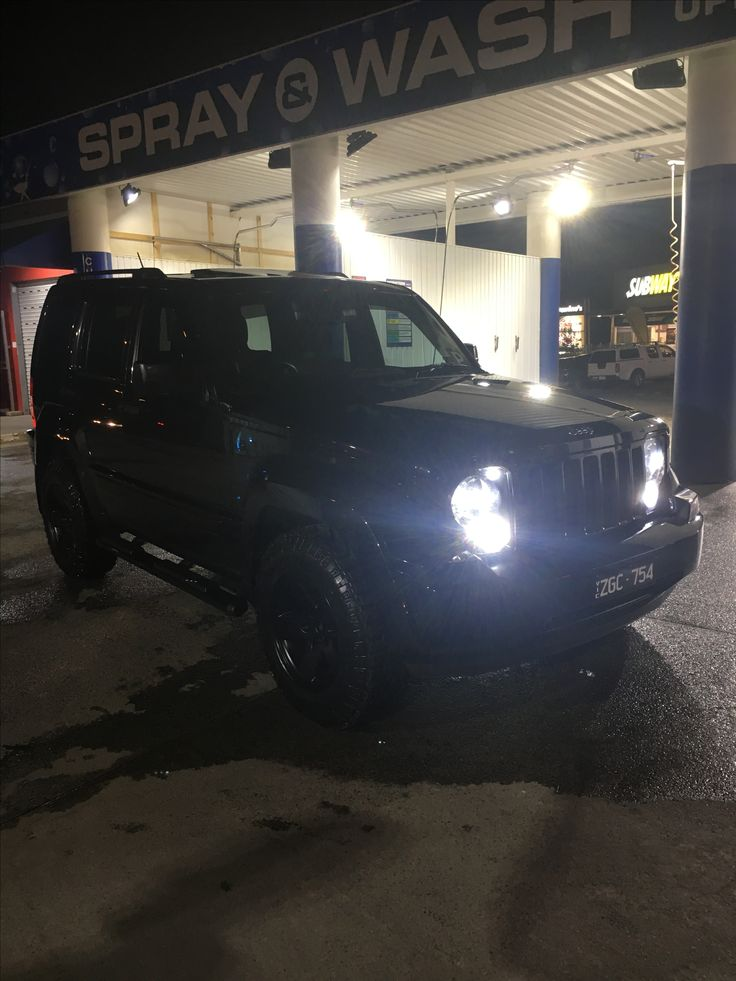 Jeep Cherokee liberty kk black