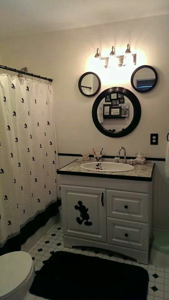 Disney Bathroom - Fun idea for a Disney themed bathroom - Love the mirrors!