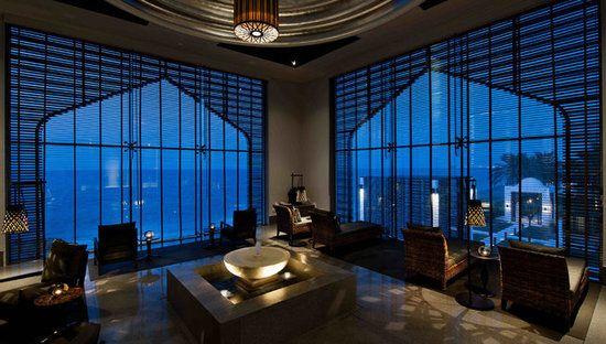 酒店SPA大堂——水色悠揚,燈光忽明忽暗,彷彿坐在這裡就已是最好的放鬆方式。