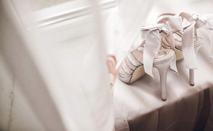 #Magrit  Cuero,raso y piel exótica. Color nude y #Swarovski Crystals. ---------------------------------------------------------- #Magrit  Leather,satin and exotic leather.  Nude colour and #Swarovski Crystals.