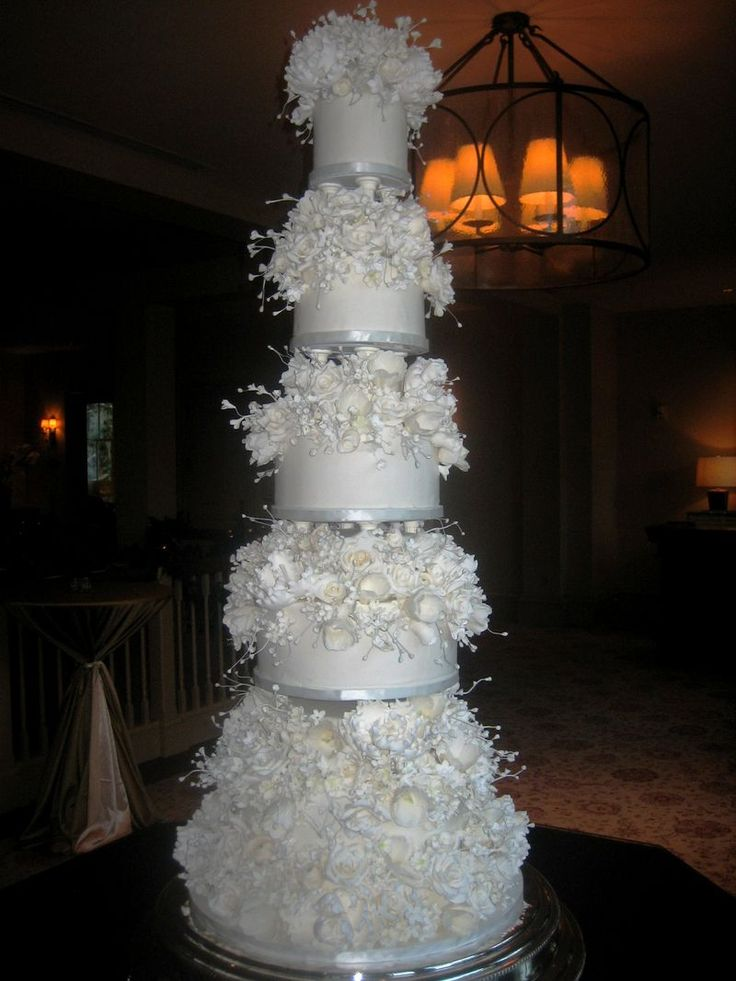 sylvia weinstock cake | Here is a close up of the front of the cake. Jane found this vintage ...