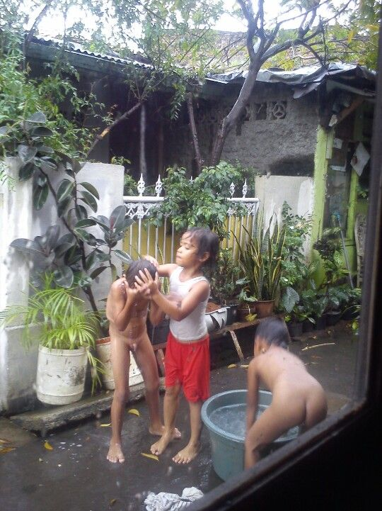 """Shower time at public place! We dont have any bath room. ..but why worry? Mr. President, please come and join us! """