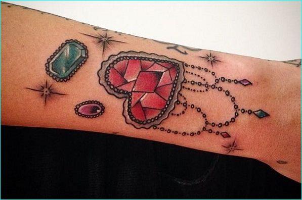 as 54 melhores imagens em joias tattoo no pinterest joias desenhos de tatuagem e desenhos. Black Bedroom Furniture Sets. Home Design Ideas