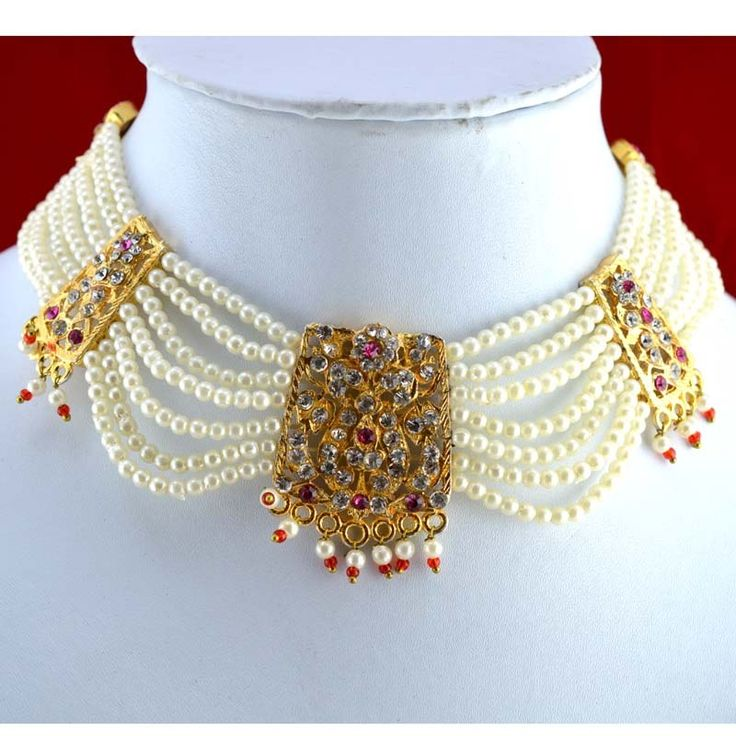 Traditional Rajputi choker known as 'chick' necklace