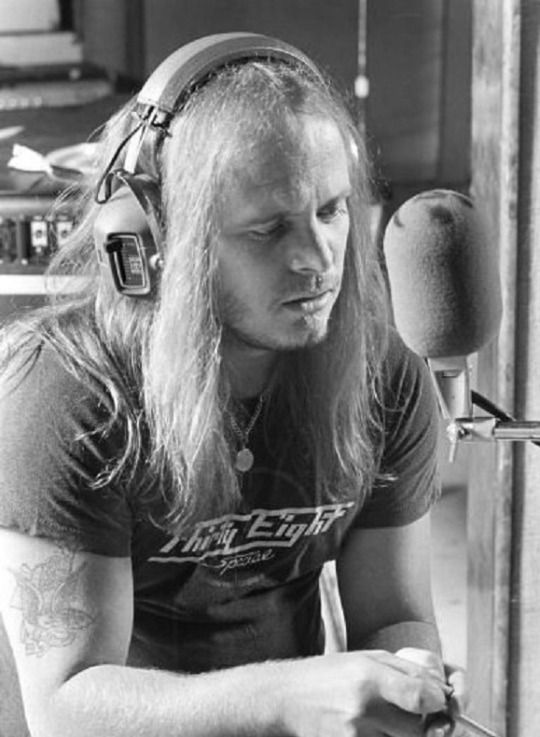Ronnie Van Zant - The Lynyrd Skynyrd Band      In The Studio For The Street Survivor's Album , Wearing A .38 Special Tee  His Brother Donnie's Band