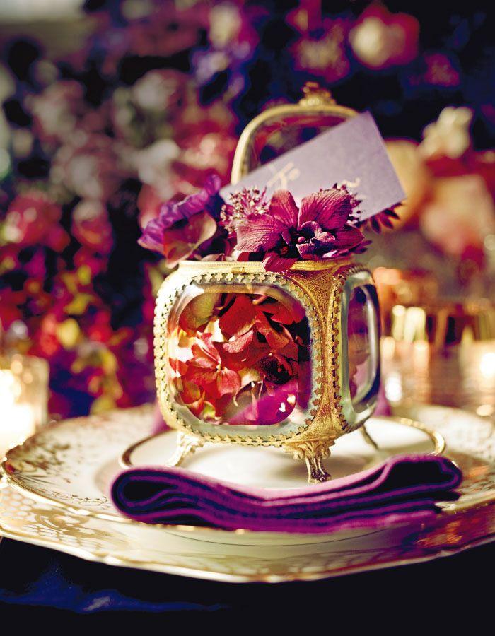 ウエディング:輝きのナイトウエディング! 艶やかなパープルの饗宴。|VOGUE Wedding いちばんおしゃれなウエディングバイブル