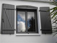Volet et portes gris recherche google d co maison volet exterieur volet roulant exterieur - Maison volet gris anthracite ...