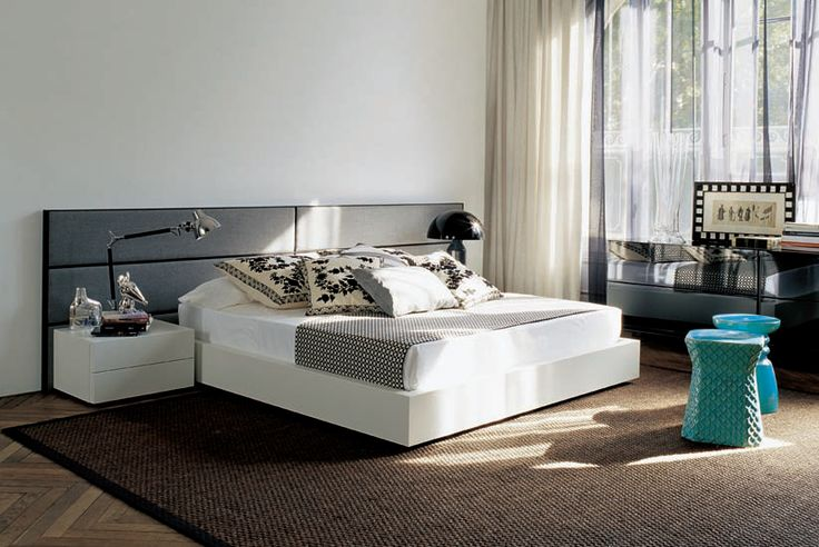 Beautiful bedroom: ARA bed, glossy black unit and emerald colour touch in decoration
