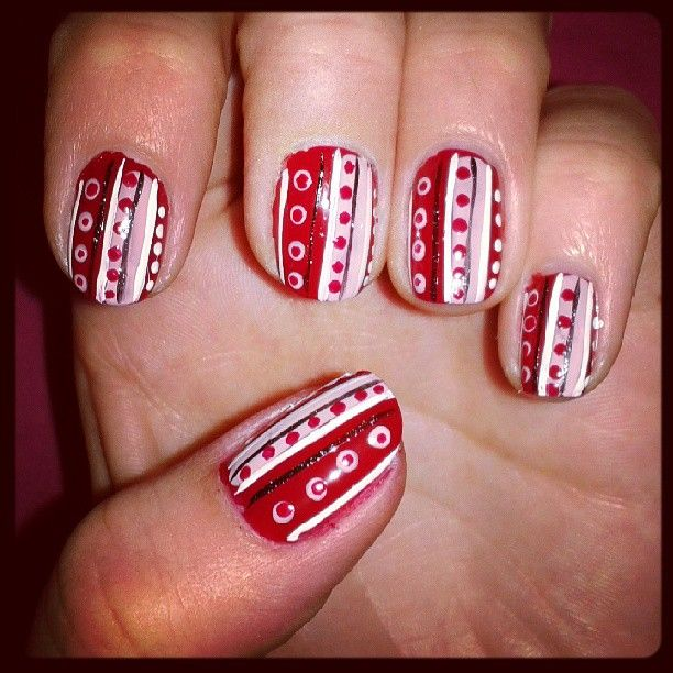 Red nails with hodgepodge