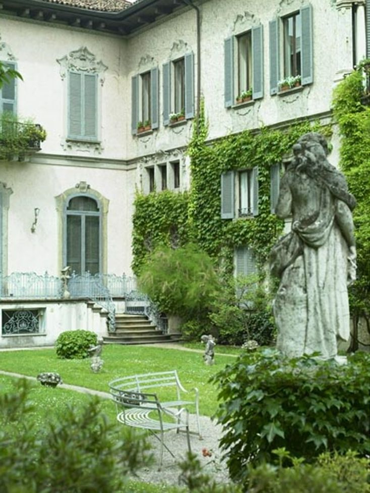 Castellini House in Milan