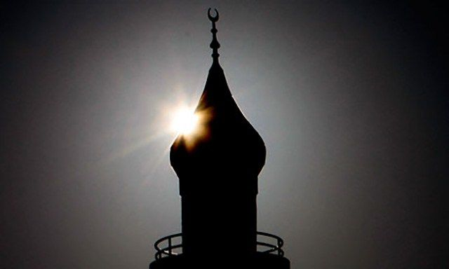 Millionen Muslime leben unter uns, doch wir wissen fast nichts über sie. Wie viele Muslime gibt es eigentlich in Deutschland und wie und wo gehen sie ihrem Glauben nach? Wo gibt es überall Moscheen…