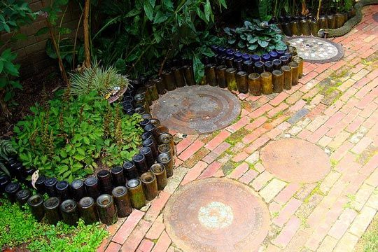 9 Amazing Things To Do With Wine Bottles In The Garden | eatwell101.com