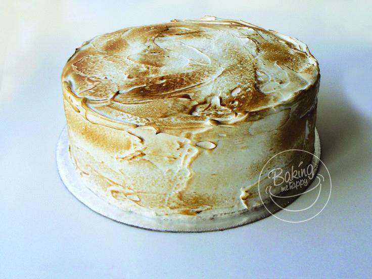 Red velvet cake with cream cheese filling and Toasted Italian meringue frosting #RedvelvetCake #CreamCheeseFilling #ItalianMeringueFrosting #BakingMeHappy