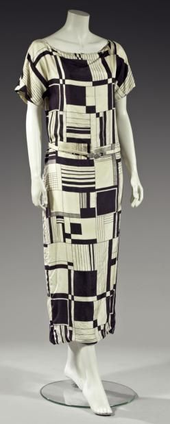 Geometric dress by Paul Poiret, c. 1924. Image courtesy of thierrydemaigret.com