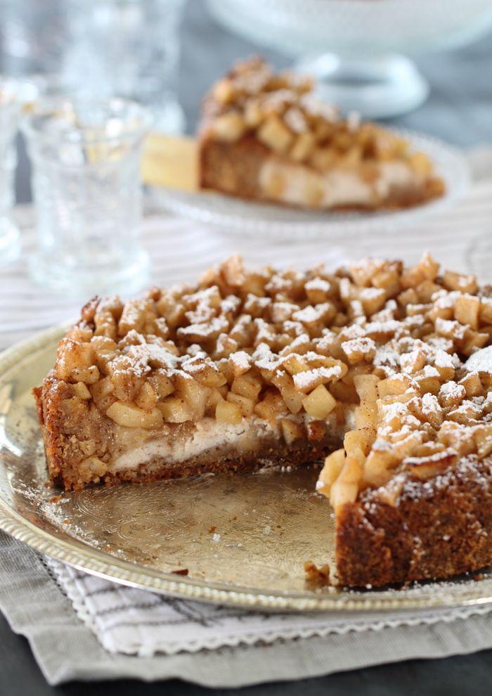 עוגת יום הולדת לאמא - עוגת קינמון, ריקוטה ותפוחים מקורמלים