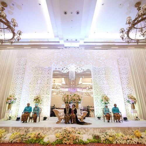 9 best gedung pernikahan di tangerang images on pinterest foto gedung pernikahan oleh royal ballroom the springs club junglespirit Images