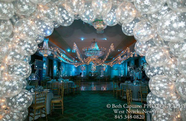 Mitzvah & Party: Balloon Centerpieces & Theme Ideas Winter Wonderland Arch – mazelmoments