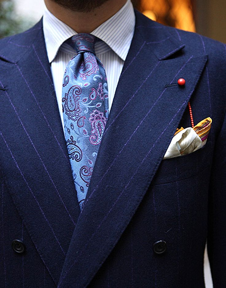 Image from http://www.moderngentlemanmagazine.com/wp-content/uploads/2013/03/mens-style-suits-mixing-patterns.jpg.