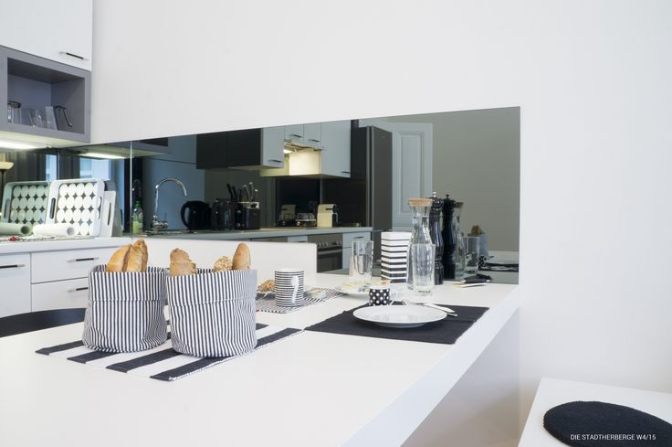 Wohnen im Zentrum - Ruhelage & Balkon!   ++ GANZ NEU ++ BALKON ++ FÜR 2 ERWACHSENE + 2 KINDER ODER 3 ERWACHSENE ++ TOP AUSSTATTUNG ++ ZENTRAL, RUHIG ++   JETZT BUCHEN: http://www.wimdu.at/offers/CO3PXEJN   #Wien #Apartment #Ferienwohnung #Vienna #Wimdu #Städtetrip #Österreich #DIESTADTHERBERGE #Übernachten #Unterkunft #Stadtzentrum