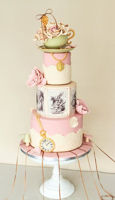 EDITOR'S CHOICE (10/29/2013) Alice in Wonderland by Alma Pasteles View details here: http://cakesdecor.com/cakes/94071