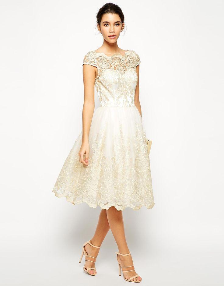 Chi Chi London Frances sukienka wieczorowa midi rozkloszowana haftowana LUXYOU