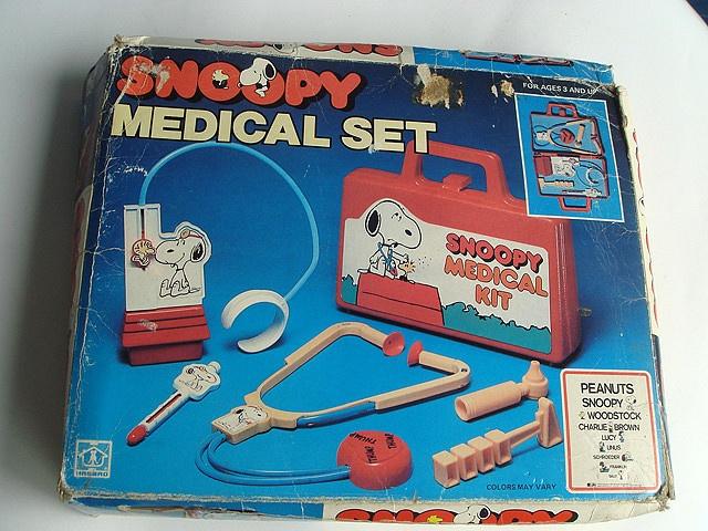 Snoopy Medical Kit