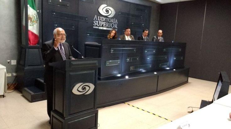 <p>Chihuahua, Chih.- Durante la inauguración de la Primera Jornada de Capacitación en Contabilidad Gubernamental, el encargado de despacho de