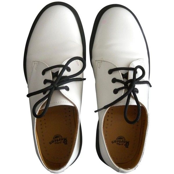 LACE SHOES DR. MARTENS ($105) ❤ liked on Polyvore featuring shoes, oxfords, shoes - flats, lace oxfords, white oxford flats, lace flats, flat pumps and white oxfords
