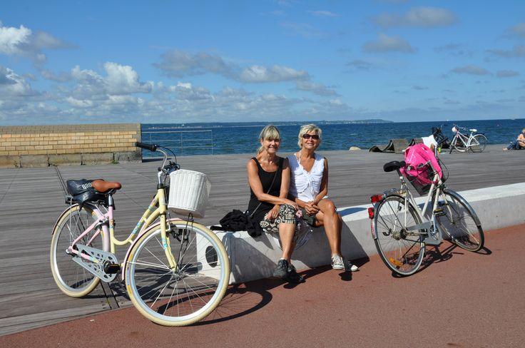 Cykla på Sveriges första nationella cykelled- Kattegattleden. Leden är en unik havsnära cykelled som startar Helsingborg och slutar i Göteborg.