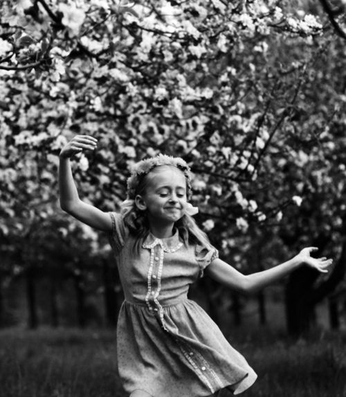 by Romualdas Rakauskas   from Le tourbillon de la vie (the whirlwind of life)